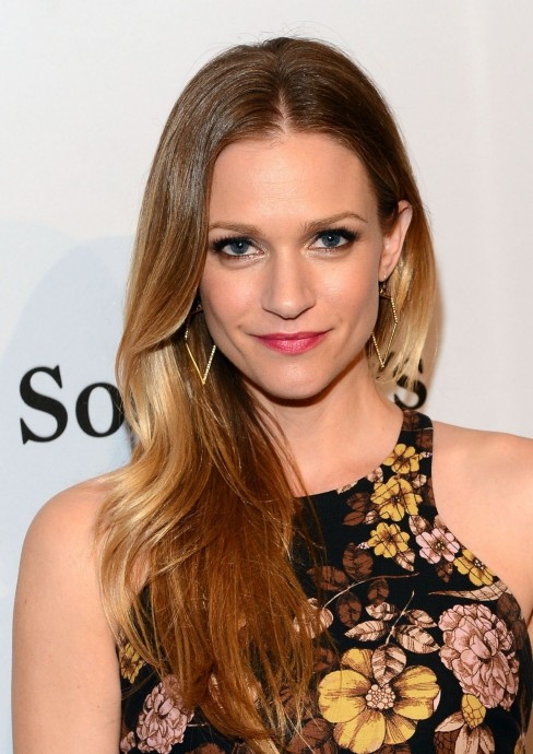 Aj Cook The Art Of Elysium Pieces Of Heaven Charity Art Auction In Hollywood Feb Aj Cook