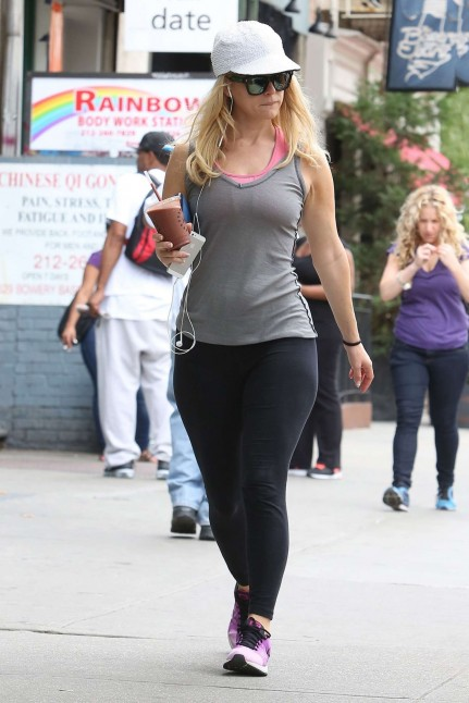 Alice Eve Hot In Tights At Her Hotel In Ny Hot