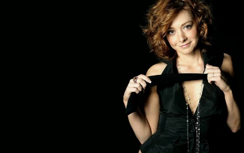 Famous American Actress Alyson Hannigan Movies