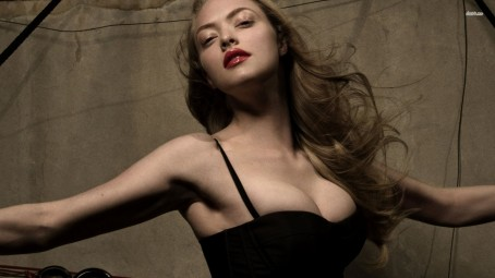 Amanda Seyfried Celebrity Wallpaper Wallpaper