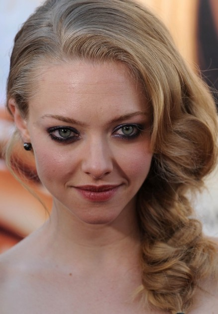Amanda Seyfried Curls Hairstyle Amanda Seyfried