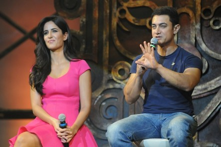 Sl Gbthnbkpf Yndd Aamir Khan With Katrina Kaif Interacting With The Media At The Dhoom Title Song Launch At Yrf Studios In Mumbai  Dhoom