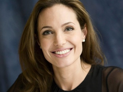 Angelina Jolie Full Picture