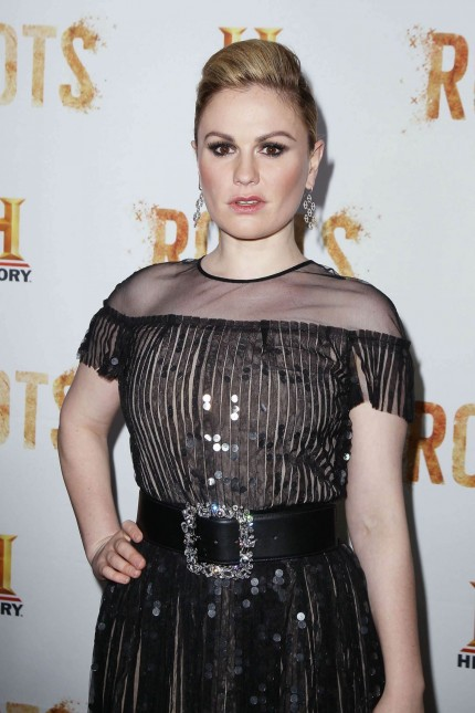 Anna Paquin Roots Tv Series Premiere In New York Anna Paquin