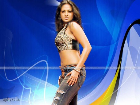 Anushka Shetty Spicy Wallpapers Wallpaper