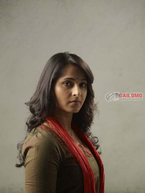 Deivathirumagal Nanna Anushka Shetty Eda Cf Be Large In Mirchi