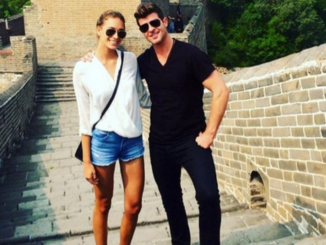 Robin Thicke Und Seine Freundin April Love Geary In China April Love Geary