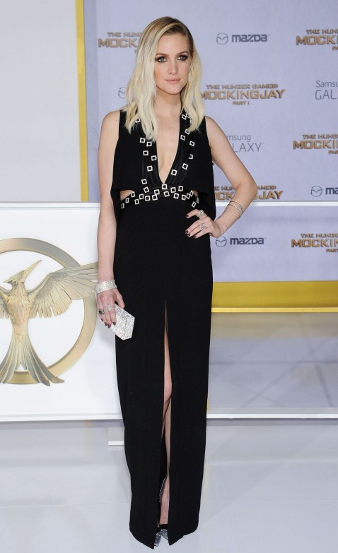 The Hunger Games Mockingjay Part Premiere In Los Angeles As Ee Simpson