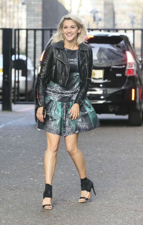 As Ey Roberts Arriving At The London Studios