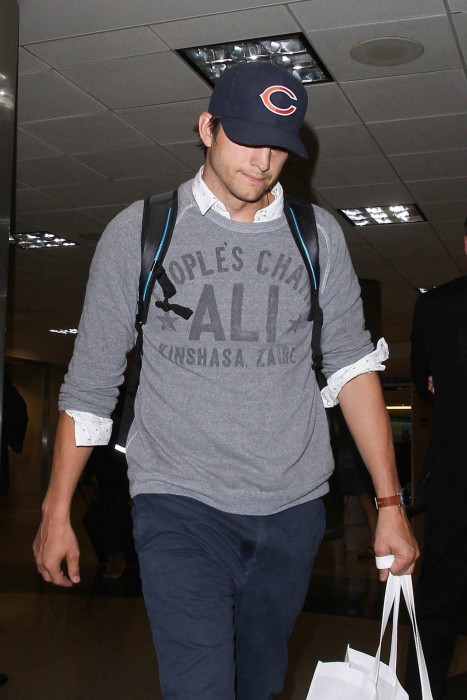 Ashton Kutcher Arrives At Lax Airport In Los Angeles