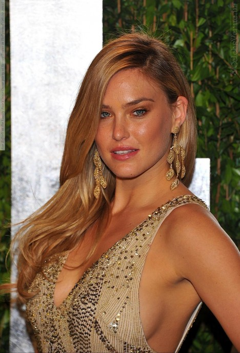 Bar Refaeli At The Vanity Fairs Oscar Party At Sunset Tower In Hollywood Dff Large Movies