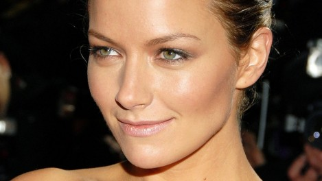 Becki Newton Gray Eyes Face Celebrity Smile Becki Newton