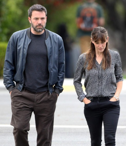 Jennifer Garner And Ben Affleck Are Seen Walking In Brentwood In Los Angeles And Jennifer Garner