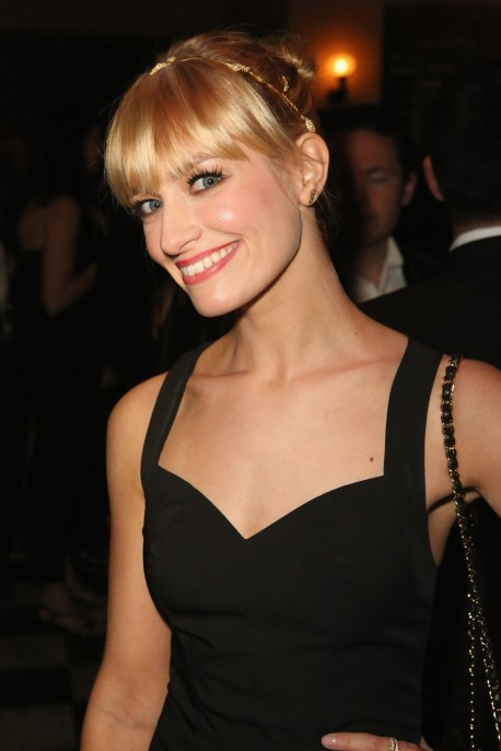 Beth Behrs Hairstyle Beth Behrs