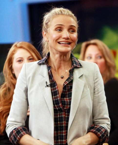 Cameron Diaz Presenta The Body Book Foto Ed Elogia Il Pube Non Depilato Body