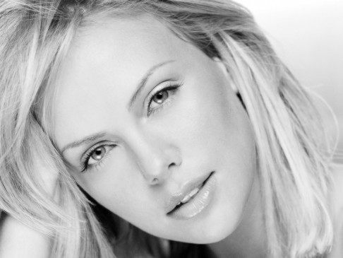 Charlize Theron Bw Wallpapers Charlize Theron