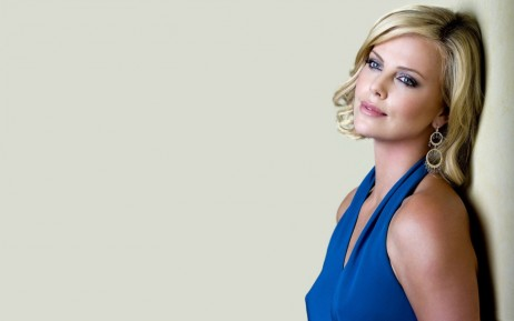 Charlize Theron In Blue Dress Wallpaper