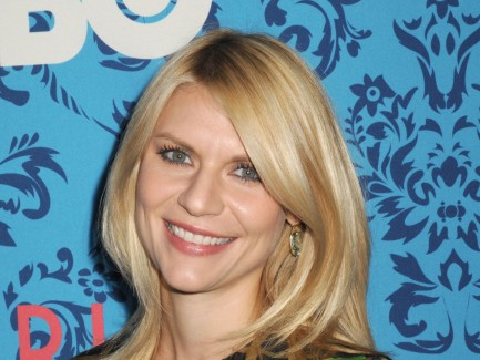 Claire Danes At Premiere Of Girls In New York City Wallpaper