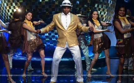 Sanath Jayasuriya On The Sets Of Jhalak Dikh Jaa Dancing Dancing With The Stars