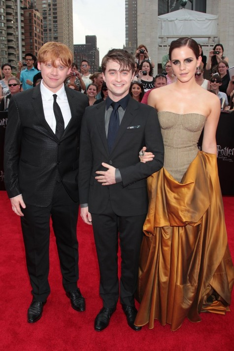 Emma Watsoninbottegavenetawithdanielradcliffeandrupertgrintattheharry Potter And The Deat Hallows Part July Daniel Radcliffe