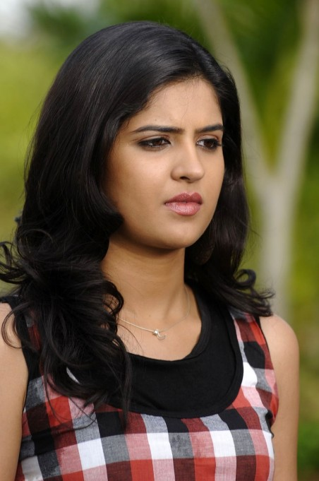 Deeksha Seth Cute Stills From Mirapakaya Movie Deeksha Seth