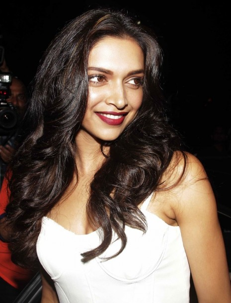 Deepika Latest Hot Stills Images Pics Deepika Padukone Photoshoot Stills Hot