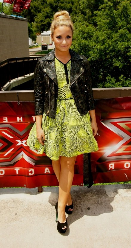 Fashion For Demi Lovato Green Dress Fashion