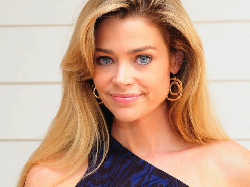 Denise Richards Movies Wallpaper The World Is Not Enough