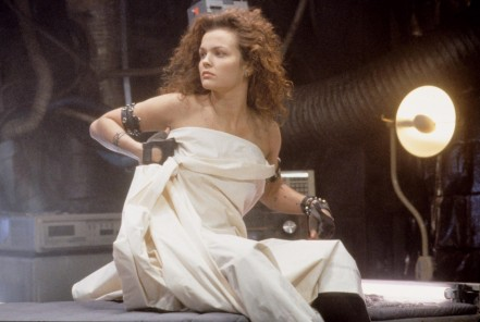 Dina Meyer In Johnny Mnemonic Dina Meyer