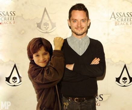 The Lord Of The Rings Cast Pose With Their Precious Younger Selves Elijah Wood Elijah Wood