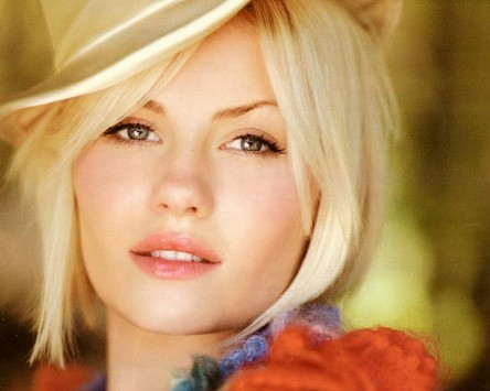 Elisha Cuthbert Hd Wallpapers Movie Elisha Cuthbert Desktop Wallpaper Themes Movies