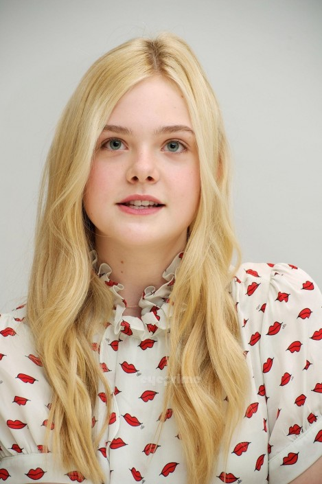 Elle Fanning Hot Pictures And Biography Hot Dd Dcf Bd Image Hot