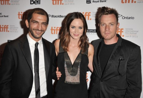 Ewan Mcgregor Amr Waked And Emily Blunt At Event Of Laxfiske Jemen Large Picture Family