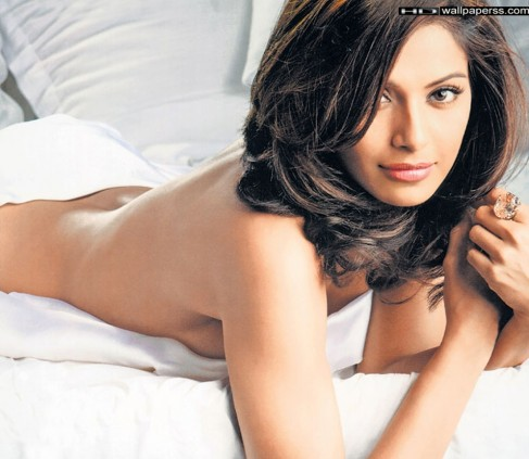 Hottest Bollywood Actress Hot