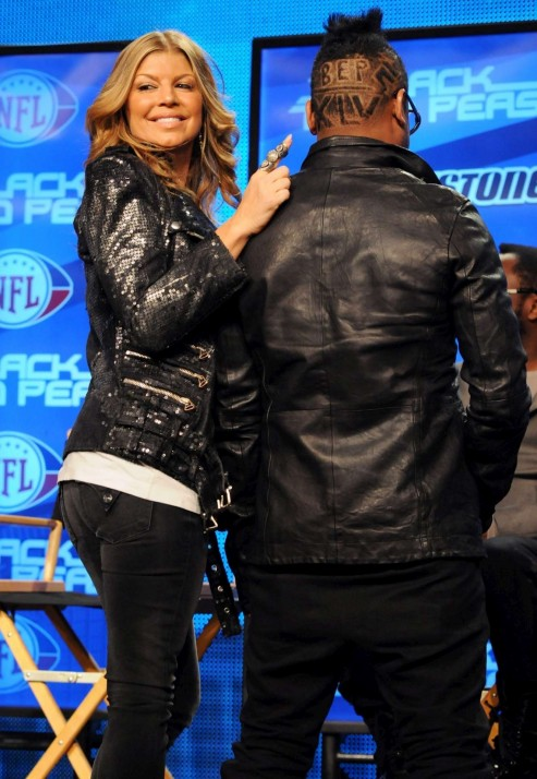 Black Eyed Peas Singer Fergie Discusses Their Super Bowl Xlv Halftime Show In Dallas Texas Usa Pictures Photos Gallery Black Eyed Peas
