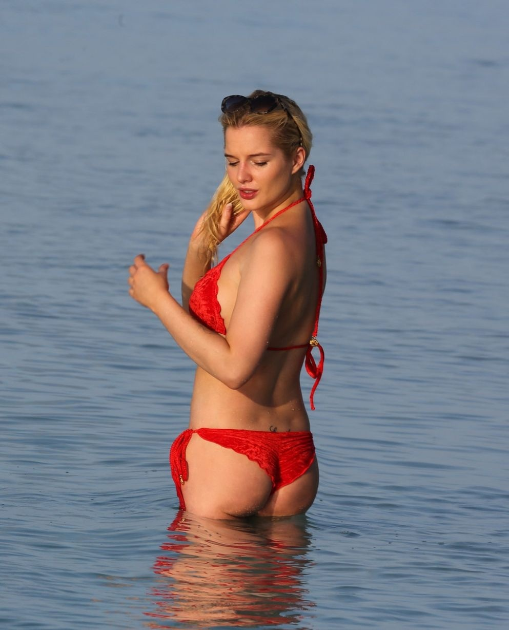 Helen Flanagan Wearing Red Bikini In Maldives Helen Flanagan