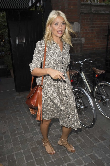 Holly Willoughby Was Seen Out In London Holly Willoughby