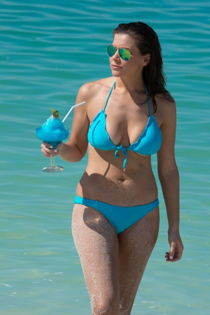 Imogen Thomas In Bikini At Beach In Miami Imogen Thomas