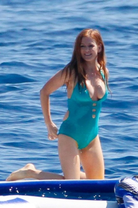 Isla Fisher Wearing Swimsuit In St Tropez Beach