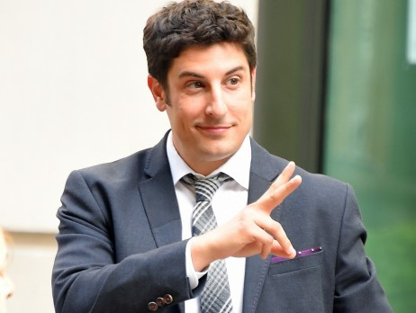Crash De La Malaysian Airlines Acteur Jason Biggs American Pie Derape Sur Twitter Jason Biggs