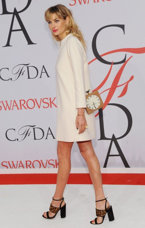 Jessica Hart Attends The Cfda Fashion Awards In New York City Beach