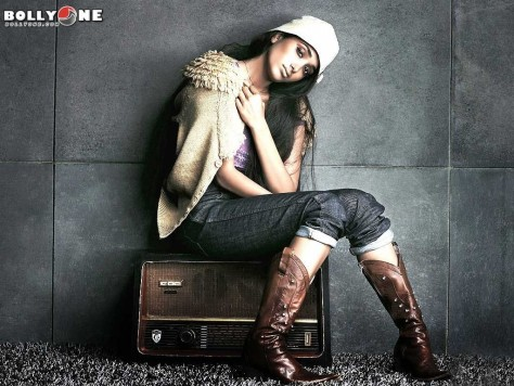 Jiah Khan Commits Suicide By Hanging Herself Jiah Khan