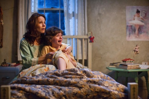Still Of Lili Taylor And Joey King In The Conjuring The Conjuring