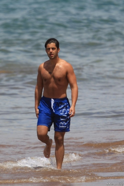 Josh Peck Shirtless Maui Josh Peck