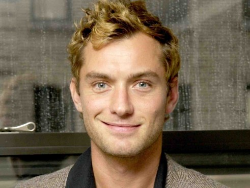 Jude Law Holiday Hd Actor Wallpaper