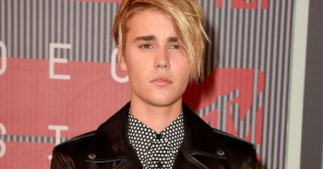 Justin Bieber Cries On Stage After Emotional Vma Comeback