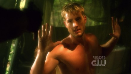 Toxic Justin Hartley Green Arrow