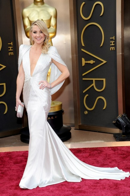 Fashion Kate Hudson Oscars Atelier Versace Gown Main Kate Hudson