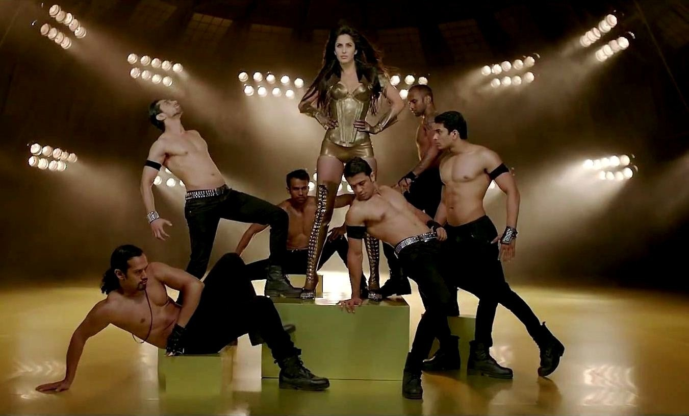 Katrina Kaif In Dhoom Machale Song Dhoom