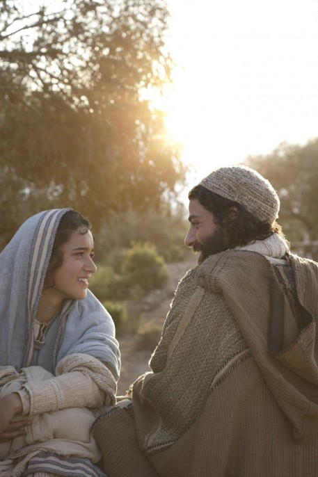 Keisha Castle Hughes And Oscar Isaac In The Nativity Story Large Picture Movies